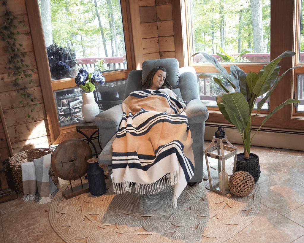 Woman Sleeping in PR632 DayDreamer Power Lift Chair Recliner
